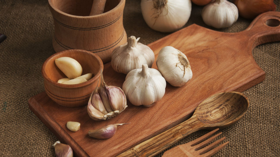 Knoblauch Ernährung Heilpflanzen - © Shutterstock