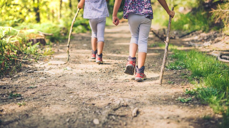 Bewegung Wandern Kinder - © Shutterstock