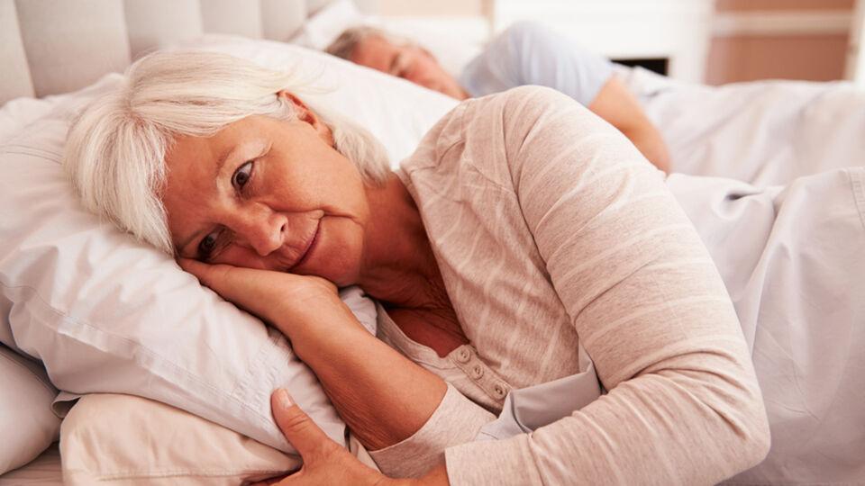 Schlaf_Senioren - © Shutterstock