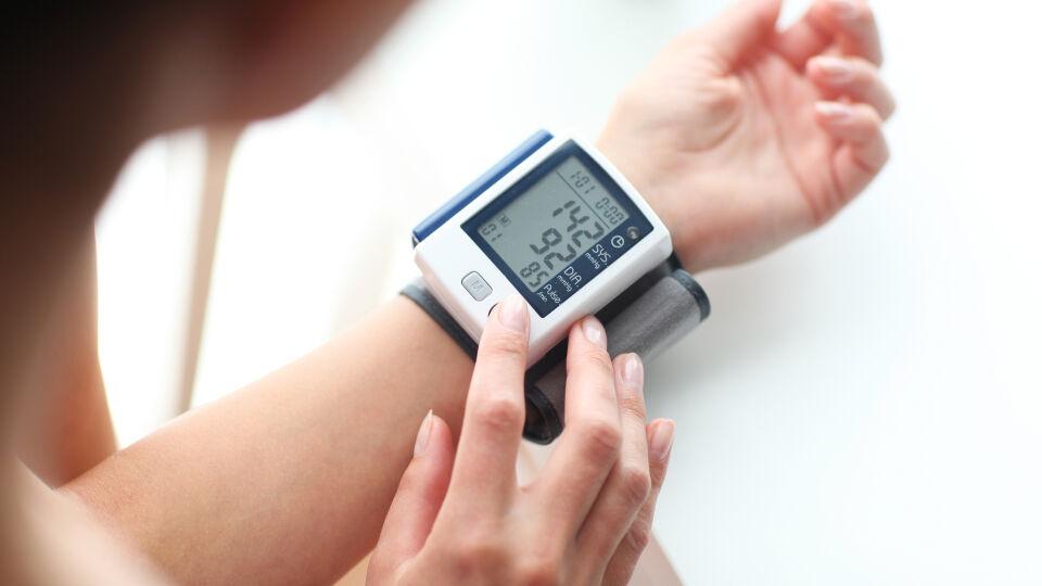 Blutdruck messen - © Shutterstock