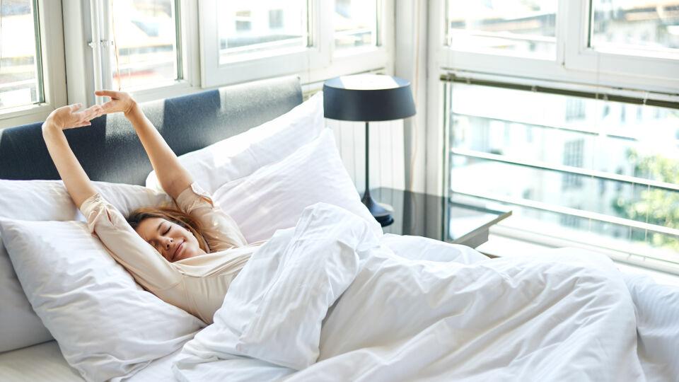 Morgen aufwachen strecken - © Shutterstock