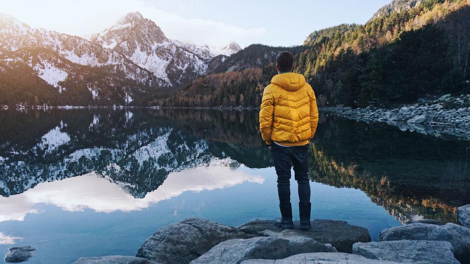 Wandern Bewegung Entspannung Ruhe Digital Detox - © Shutterstock