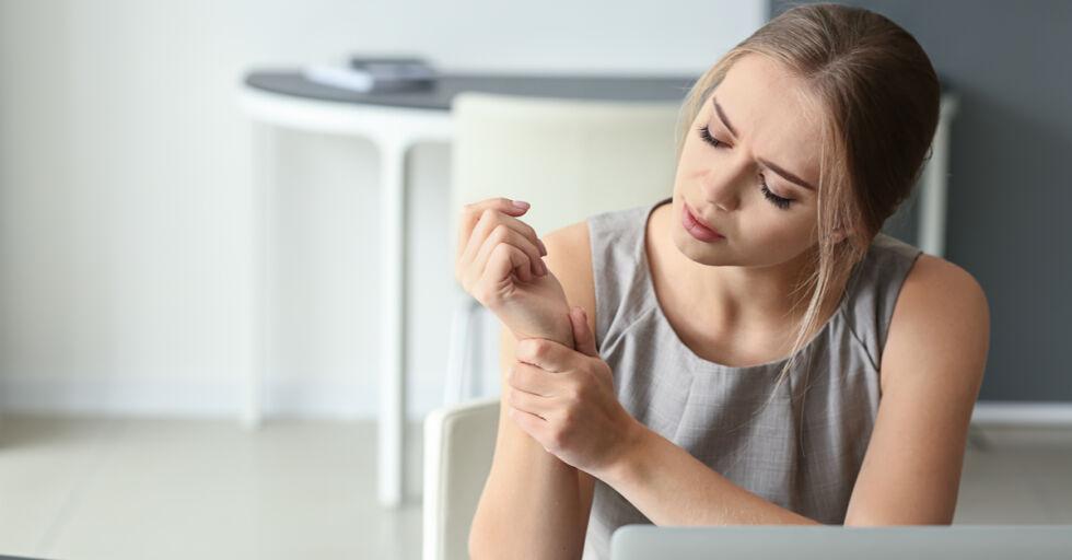 Verspannung Hand Arm - © Shutterstock