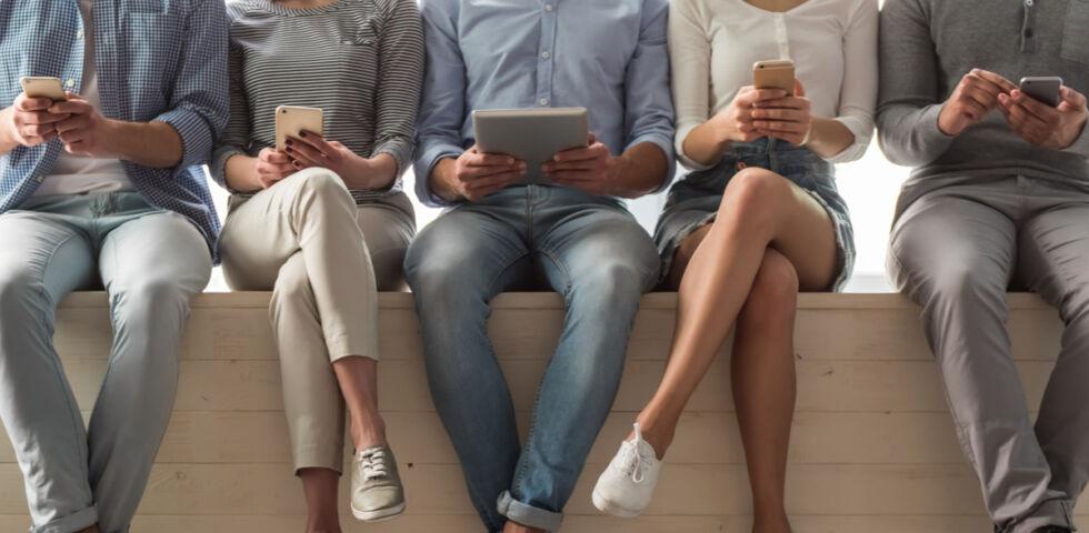Handy Tablet - © Shutterstock