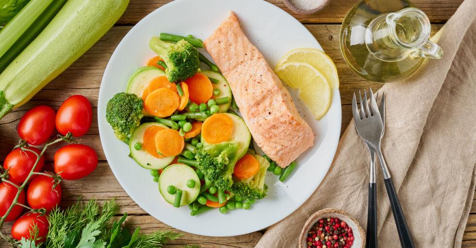 Ernährung gesund - Besonders bei Stress sollte man auf eine gesunde Ernährung achten. - © Shutterstock