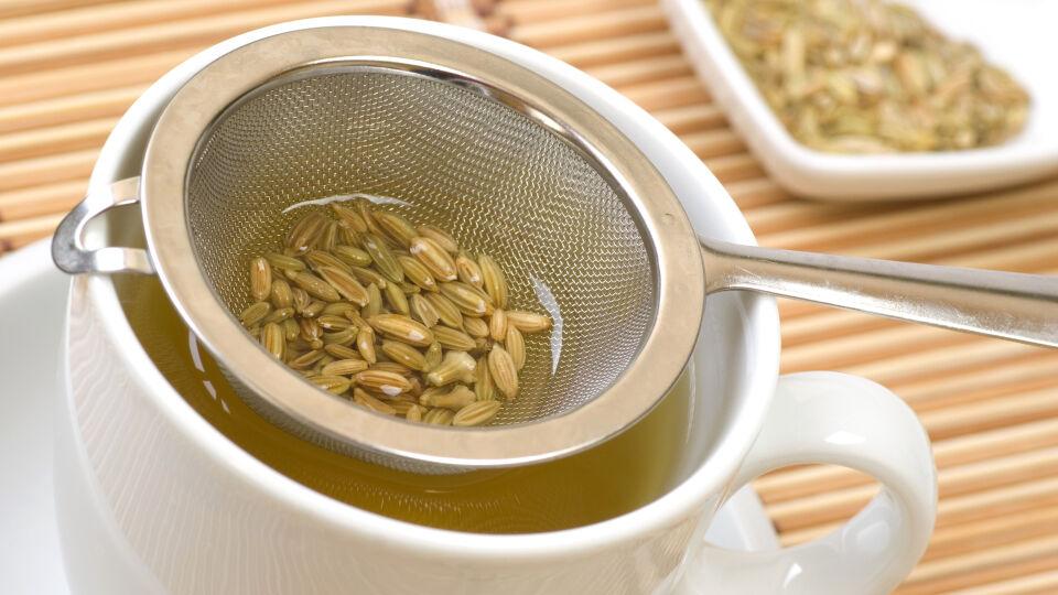 Fenchel Tee Heilpflanze - © Shutterstock