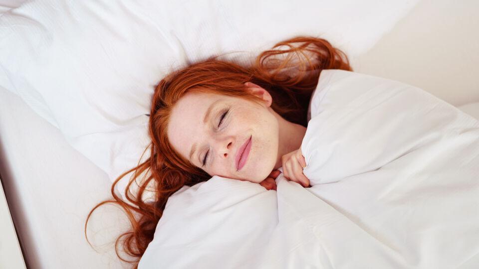 Schlaf Frau - © Shutterstock