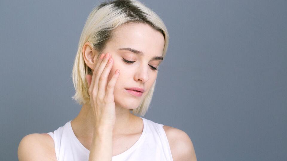 Gesicht Hautpflege Kosmetik - © Shutterstock