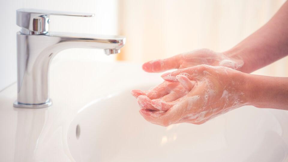 Händewaschen Hygiene - © Shutterstock