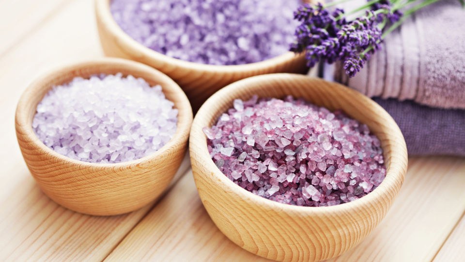 Badesalz Lavendel Kosmetik - © Shutterstock