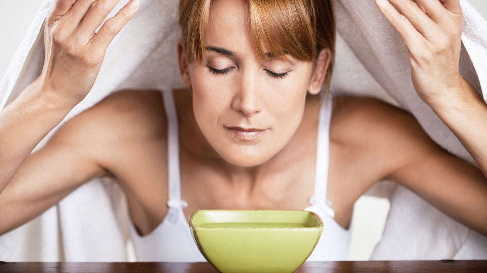 Aromatherapie Ätherisches Öl Inhalation - © Shutterstock