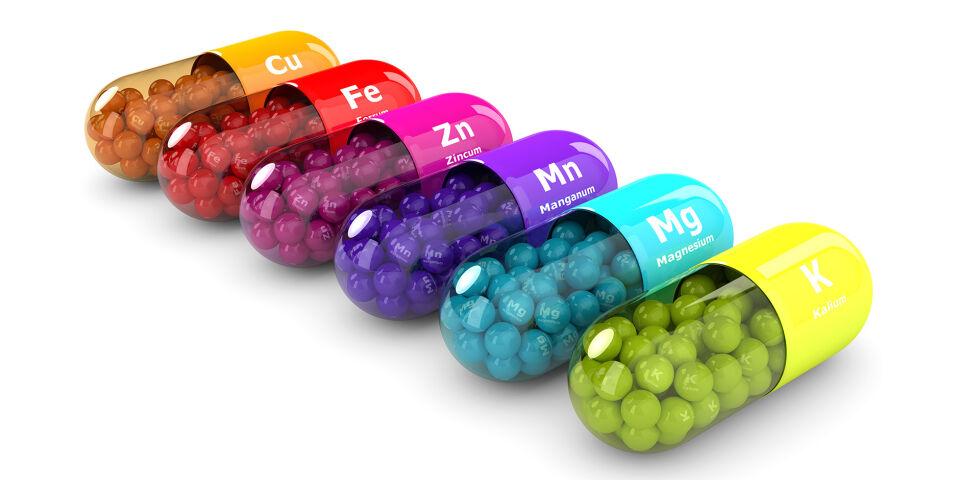 Mikronährstoffe Kapseln - Manchmal müssen die notwendigen Mikronährstoffe in Form von Kapseln konsumiert werden, um Mangelerscheinungen vorzubeugen. - © Shutterstock