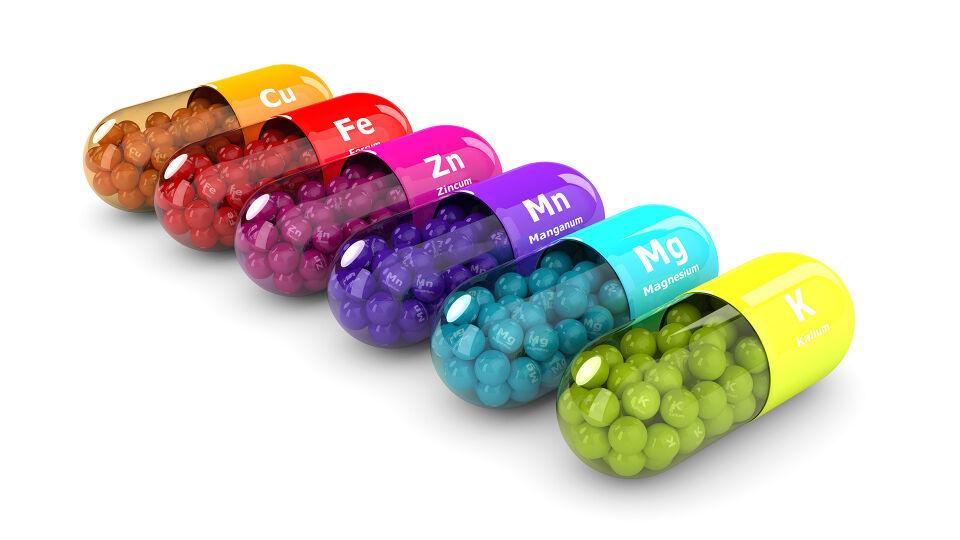 Mikronährstoffe Kapseln - © Shutterstock