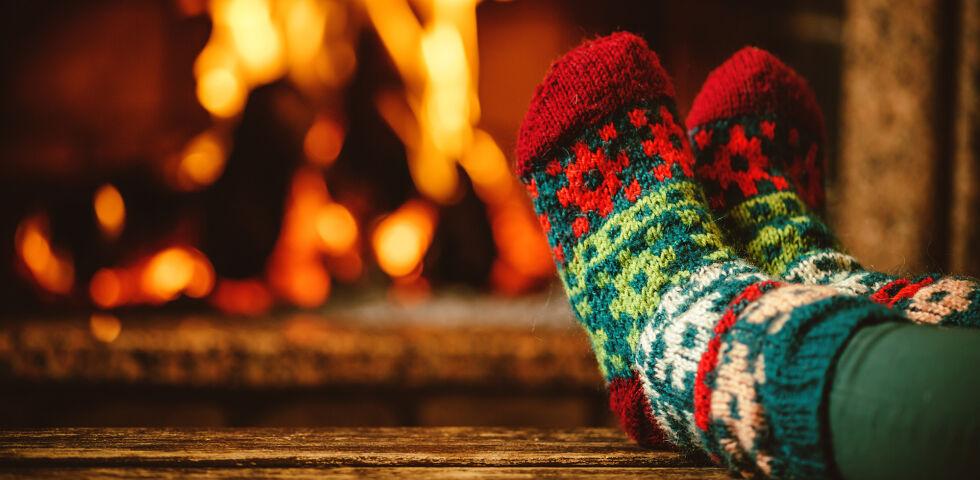 Füße wärmen Winter - Geben Sie bei extremer Kälte dem Aufenthalt im Warmen den Vorzug! - © Shutterstock