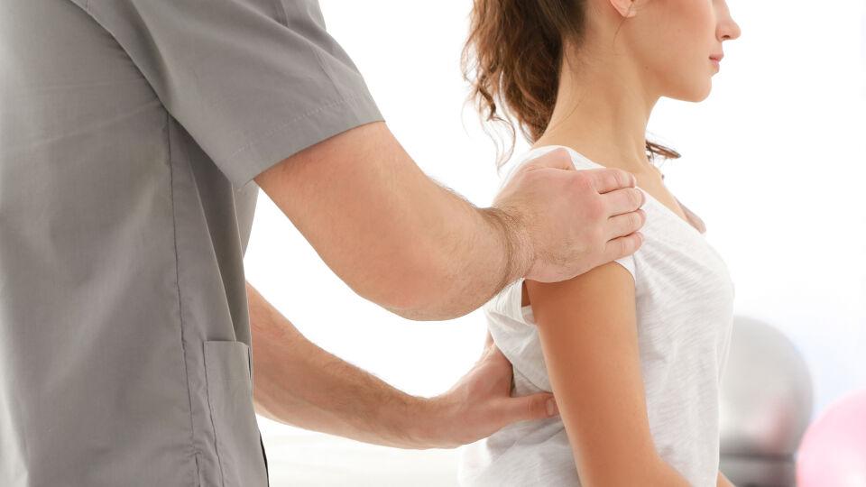 Physiotherapie Körperhaltung - © Shutterstock