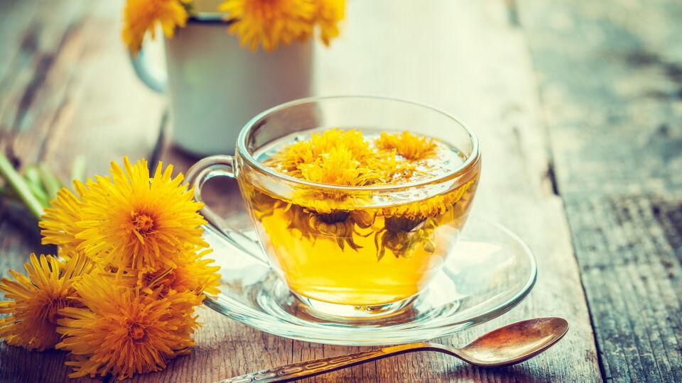 Löwenzahn Tee Heilpflanzen - © Shutterstock