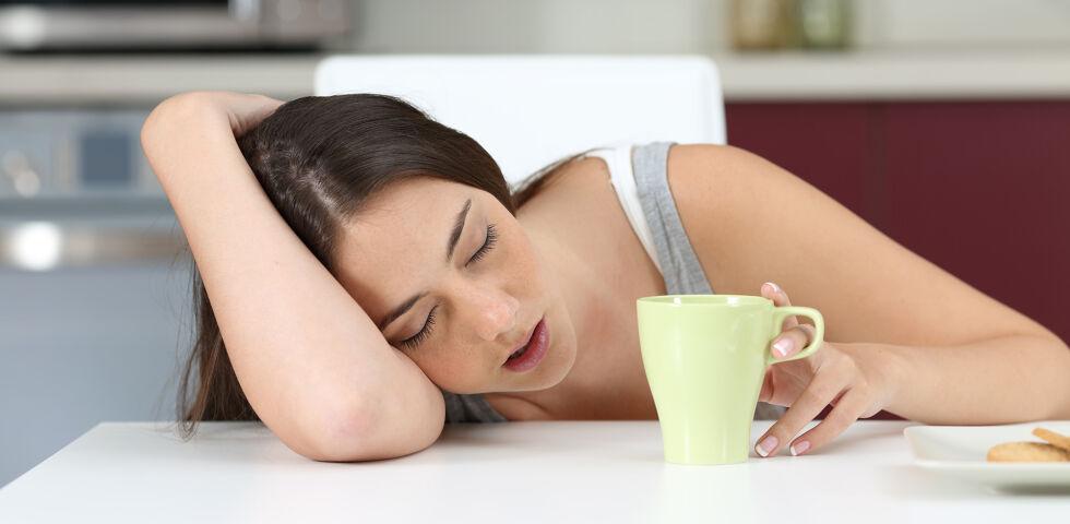 Narkolepsie Schlafkrankheit Müde Müdigkeit - Narkolepsie ist eine neurologische, also vom Gehirn ausgehende, Funktionsstörung. - © Shutterstock