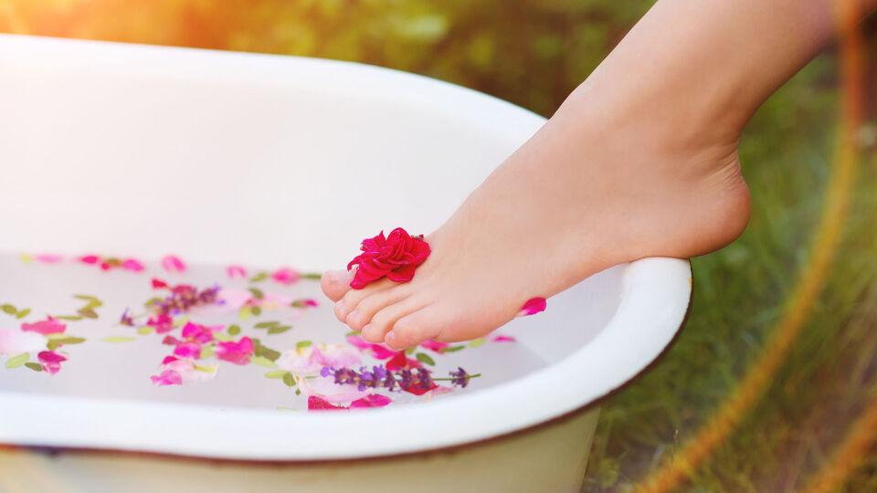 Badewanne Füße - © Shutterstock