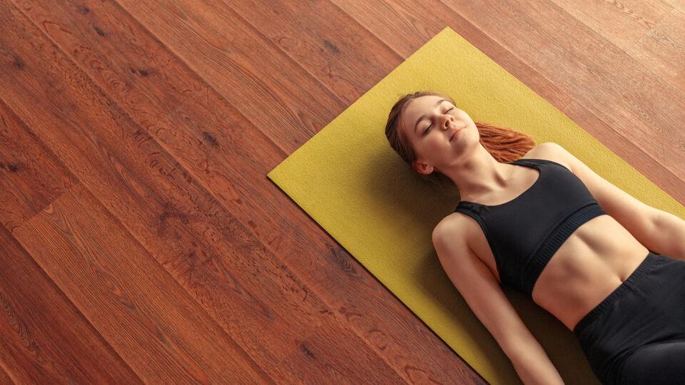 Entspannen beim Yoga Yogamatte - Entspannen mithilfe von autogenem Training? Funktioniert! - © Shutterstock