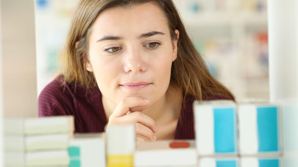 Medikamente - Karton-Verpackungen und Beipackzettel darf man im Altpapier entsorgen. - © Shutterstock