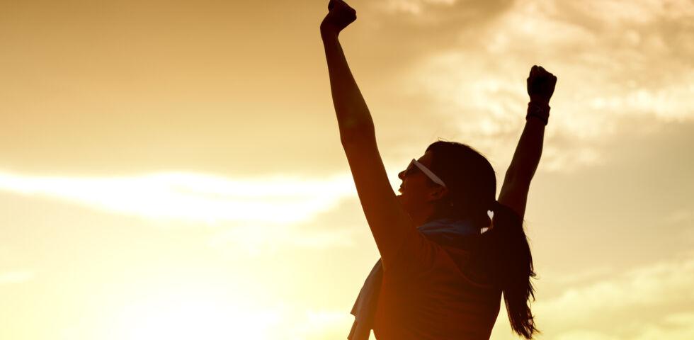 Ziel erreicht Freude Optimismus - Unbeschreiblich gut: Das Gefühl, wenn man sein Ziel erreicht hat. - © Shutterstock
