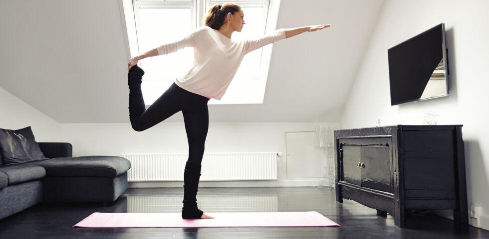 Balancetraining Sport Yoga - Balancetraining kann mann so gut wie überall machen. - © Shutterstock