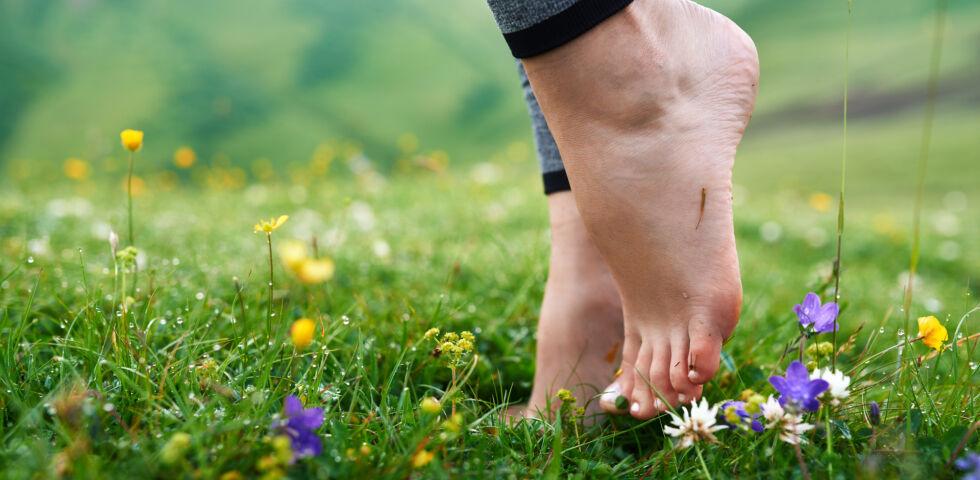 Füße - Nagelpilz verschwindet nicht von allein. - © Shutterstock