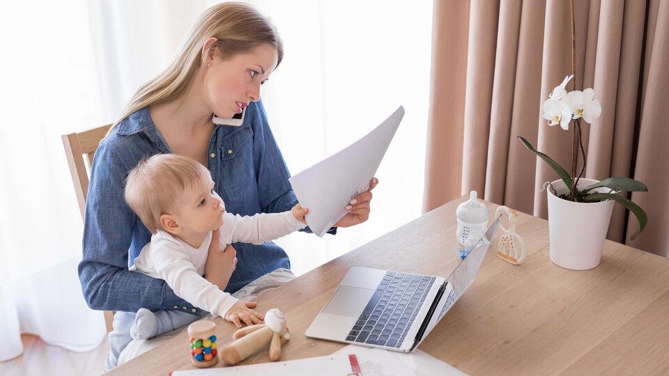 Frau Mutter Stress Beruf Familie - © Shutterstock