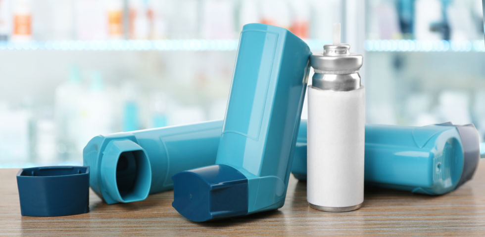Dosieraerosol Asthmaspray Inhalator - © Shutterstock