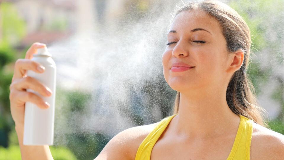 Thermalwasserspray Kosmetik - © Shutterstock