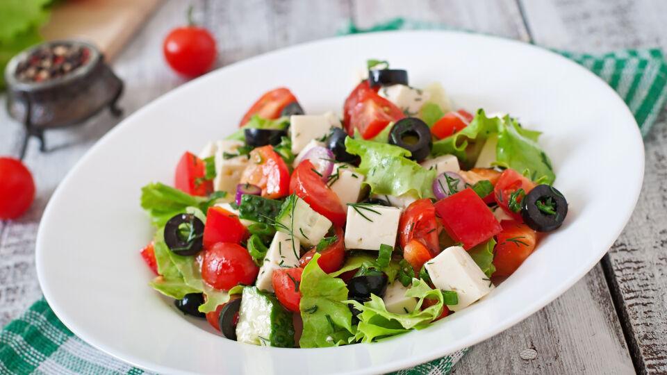Ernährung griechischer Salat - © Shutterstock