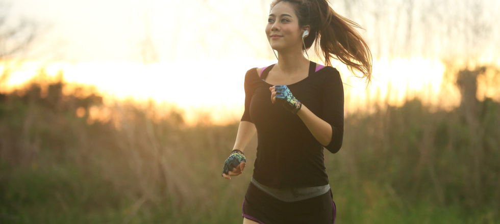 Sport joggen laufen - Laktat entsteht bei intensiver Muskelarbeit. - © Shutterstock