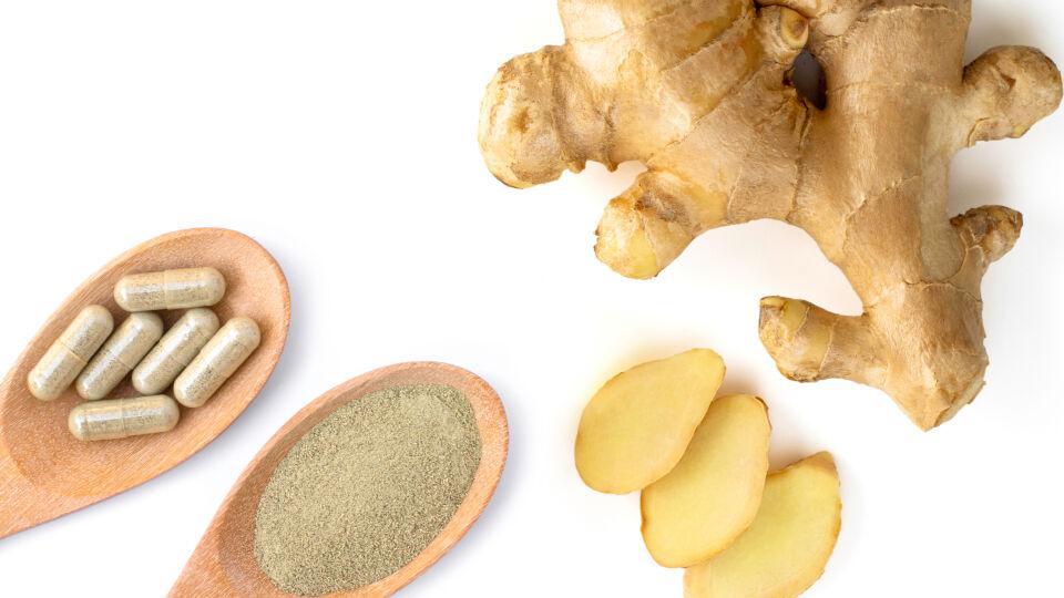 Heilpflanzen Ingwer Kapseln - Zur Vorbeugung von Reiseübelkeit sind Kapseln mit einem gleichbleibenden Gehalt an getrockneter Ingwerwurzel in der Apotheke erhältlich.