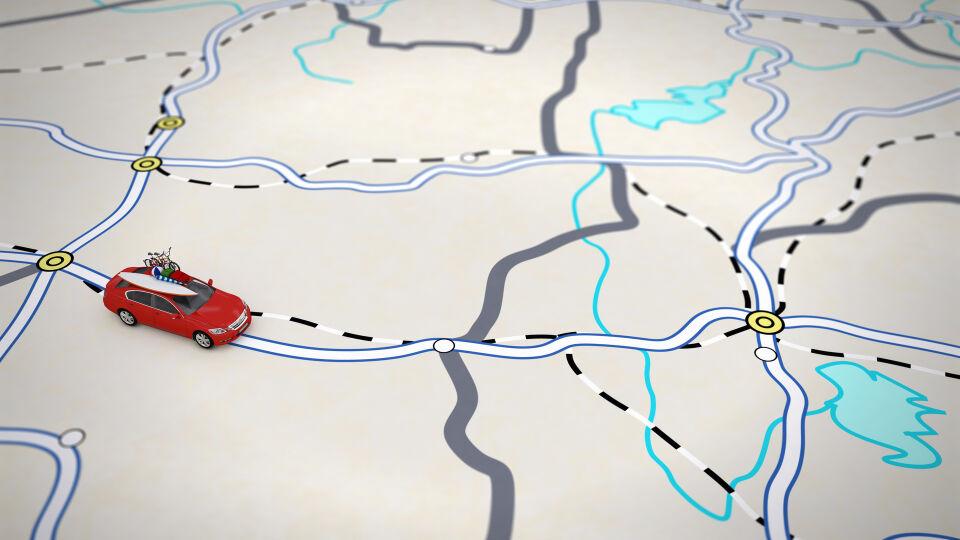 Reise Reiseroute Auto fährt auf einer Landkarte