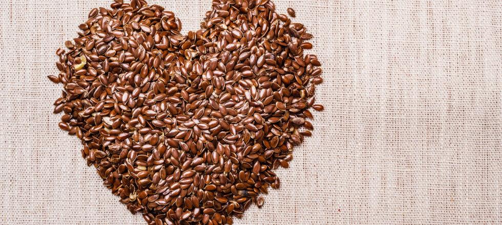 Heilpflanzen Leinsamen - Bis die Wirkung des Leinsamens einsetzt, dauert es zwei bis drei Tage.