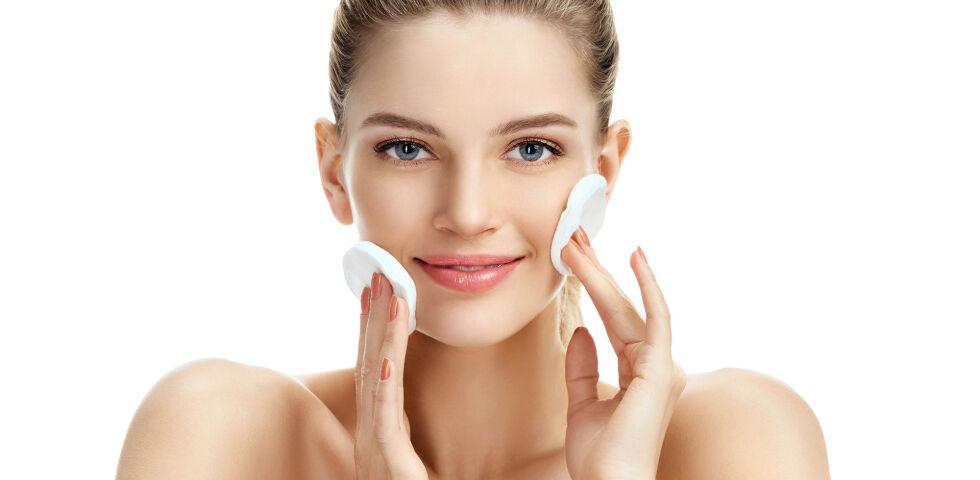 Frau Hautpflege - Wer wünscht sich keine makellos schöne Haut? Mit der richtigen Pflege lässt sich viel machen. - © Shutterstock