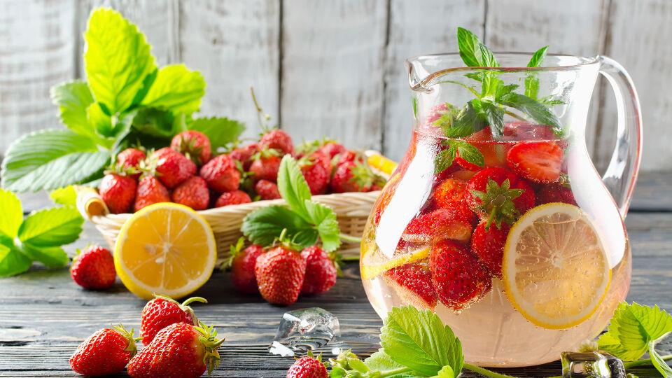 Karaffe Vitamine Ernährung - © Shutterstock