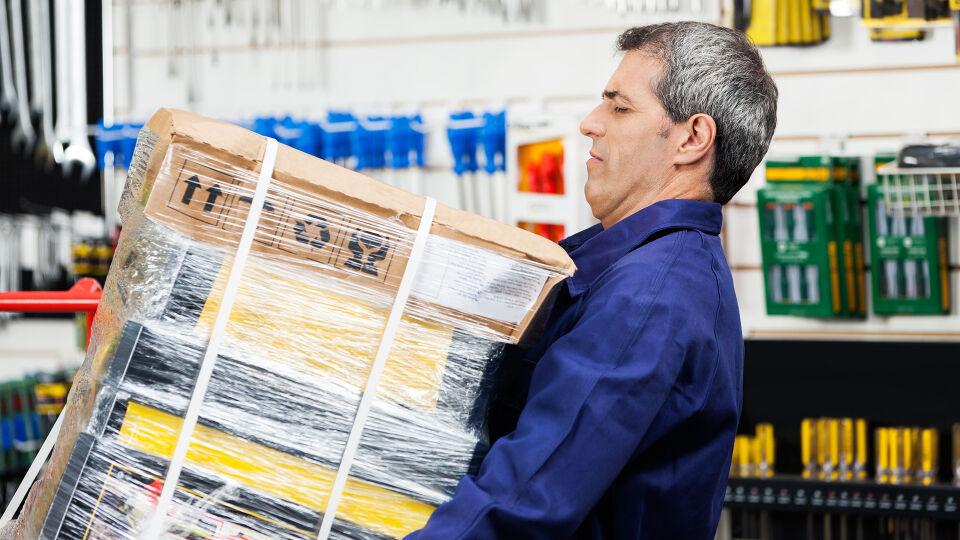 Heben Gelenke Rücken - © Shutterstock