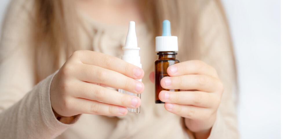Arzneiformen_Nasentropfen und Nasenspray - Nasentropfen und Nasensprays werden häufig bei Schnupfen angewendet.