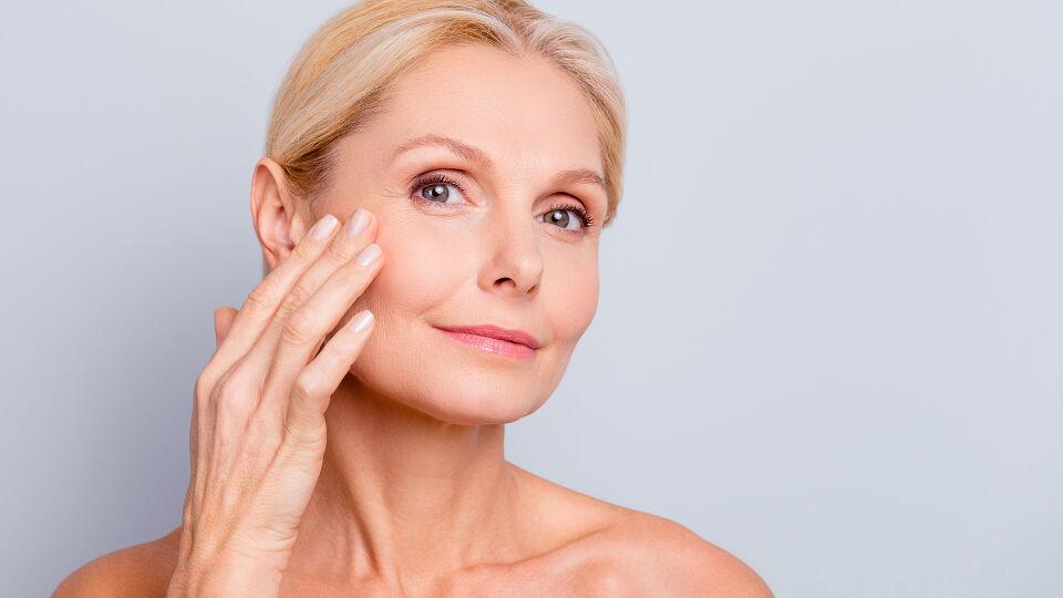 Kosmetik Alter 2 - © Shutterstock