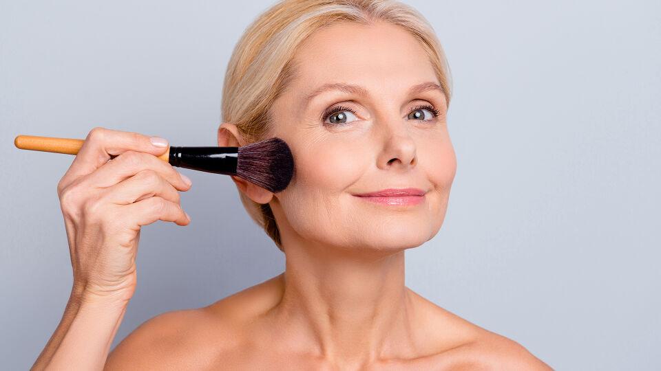 Kosmetik Alter Rouge - © Shutterstock