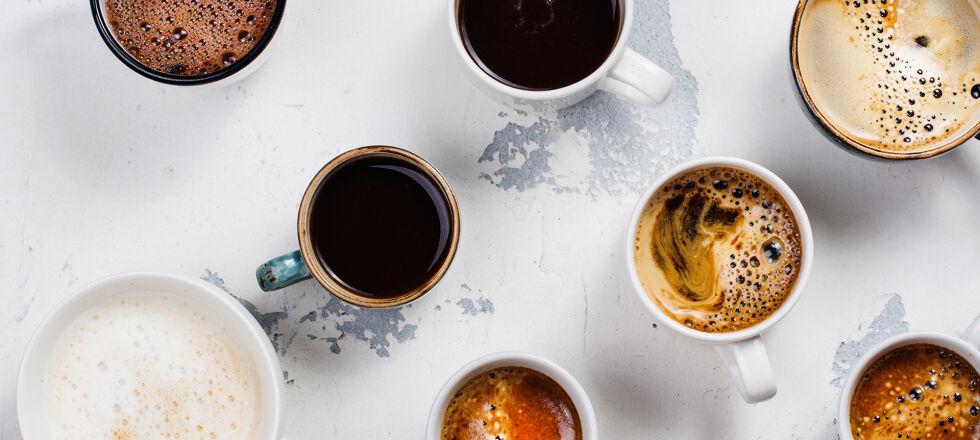 Kaffee Koffein - Egal ob ein großer Brauner, ein Espresso, ein grüner oder schwarzer Tee: ohne koffeinhaltige Getränke ist der Morgen für viele Österreicher kaum vorstellbar. - © Shutterstock