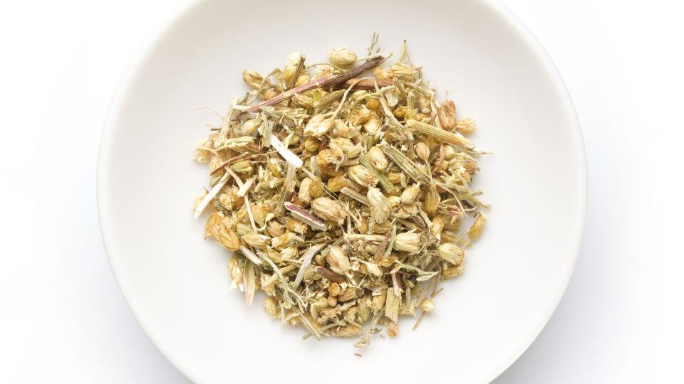Schafgarbe_Heilpflanzen_shutterstock_148136210 - Ein Tee mit Schafgarbe wirkt entspannend.