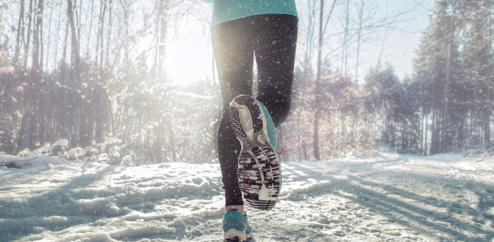 Laufen im Winter_shutterstock_490233610