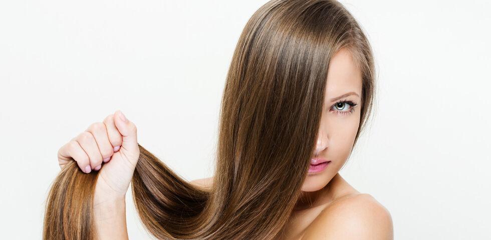 Haare - Gesunde Haare und Nägel sind keine Selbstverständlichkeit. Gegen die unterschiedlichen Probleme kann man aber einiges tun. - © Shutterstock