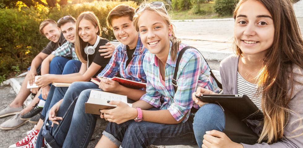 Teenager Jugendliche Schüler - © Shutterstock