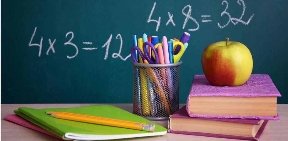 Schule - Wenn die betreuenden Pädagogen entsprechend geschult sind, bauen Sie Ängste und Unsicherheiten im Umgang mit Kindern mit Diabetes ab. - © Shutterstock