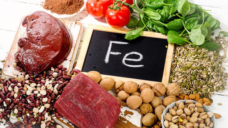 Eisen Vitamine Ernährung - Viel Eisen ist zum Beispiel in Fleisch und Tofu enthalten. - © Shutterstock