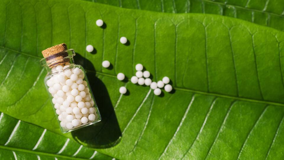 Homöopathie - © Shutterstock