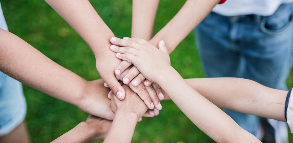 Kinder gemeinsam stark - © Shutterstock